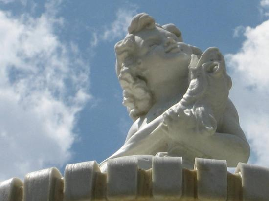 Cherub on the fountain in Paris, TX (photo by Tui Cameron)