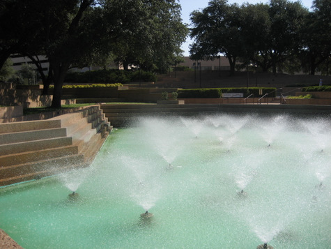 Fort Worth Water Gardens - A Free Oasis in the Heart of Cowtown ...