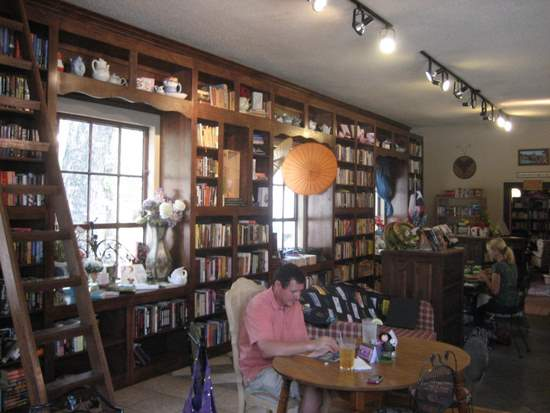 Storiebook Cafe in Glen Rose, TX ©Tui Snider