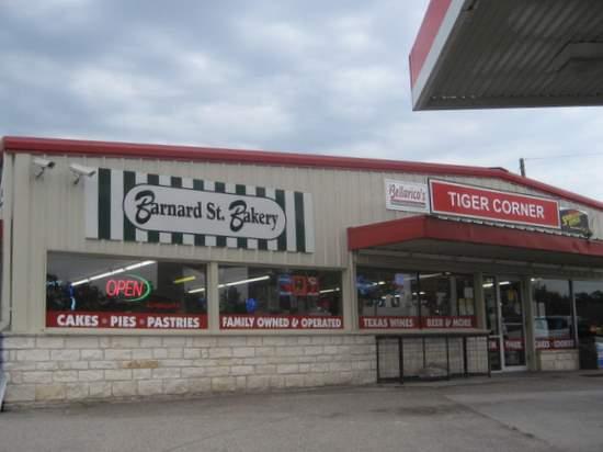 Barnard Street Bakery in Glen Rose, TX ©Tui Snider