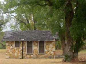 Petrified Wood House in Glen Rose, TX ©Tui Snider
