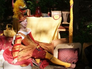 Beautiful courtesan at the Scarborough Renaissance Festival (photo by Tui Snider)