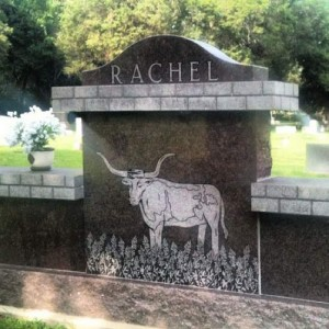Longhorn headstone at the Athens, TX cemetery (photo by Tui Snider)