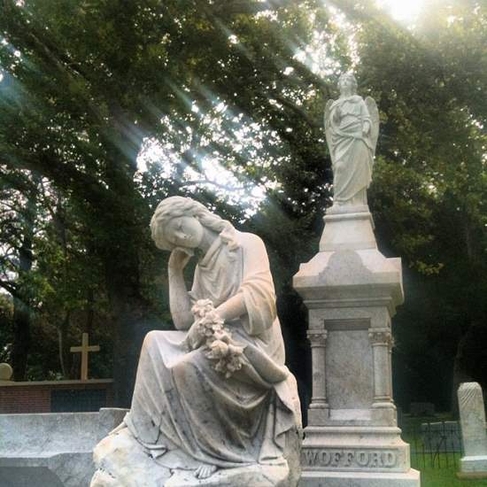 Marble angels at the Athens, TX cemetery (photo by Tui Snider)