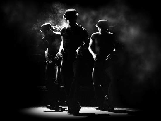 Chicago musical (photo by Catherine Ashmore)