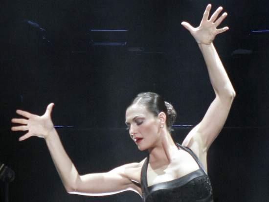 Terra C. MacLeod stars in the Chicago musical (photo by: Paul Kolnik)
