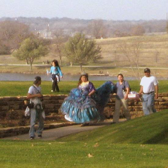Quinceanera at the Dallas Arboretum (photo by Tui Snider)