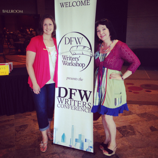 Making friends at DFWcon (photo by Larry Snider)