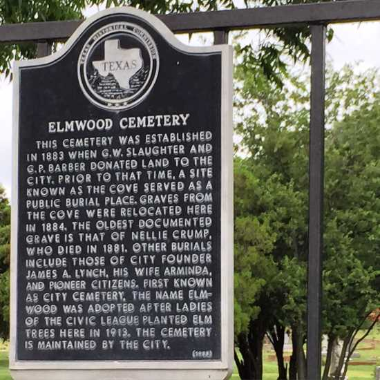 Historic Elmwood Cemetery in Mineral Wells, Texas (photo by Tui Snider)