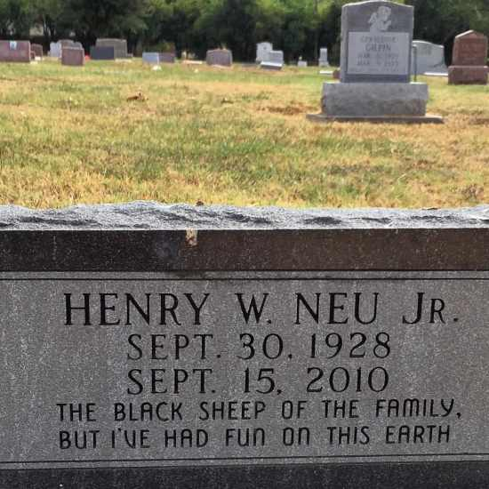 I love this epitaph! (photo by Tui Snider)
