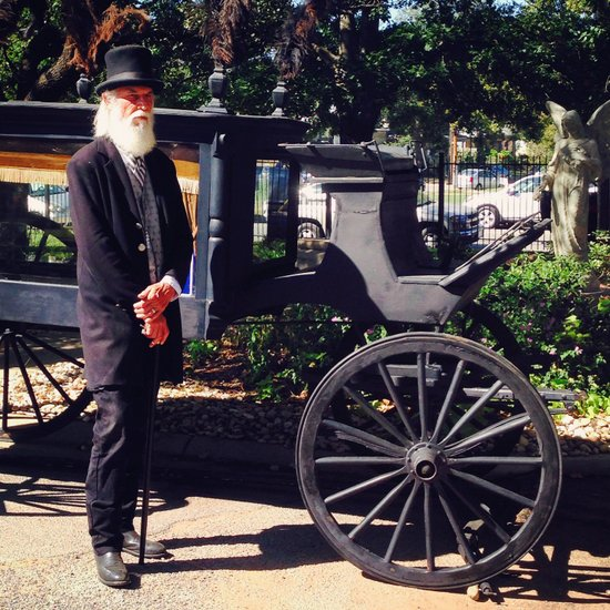 Horse drawn hearse in Oakwood Cemetery (photo by Tui Snider)