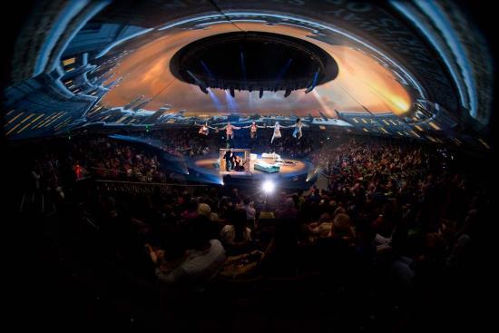 (c) Peter Pan 360 US Theatrical Tour