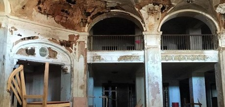 Baker Hotel in Mineral Wells, Texas (photo by Tui Snider)