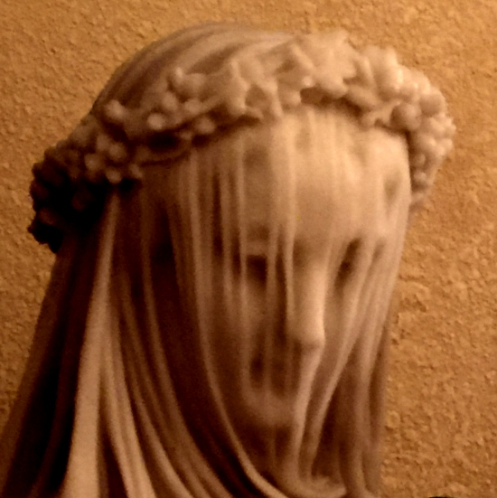 Veiled statue. (photo by Tui Snider)