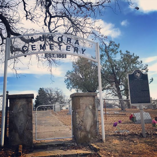 Aurora, Texas historic graveyard (photo by Tui Snider)