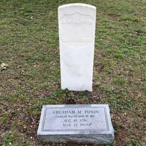 Headstone for veteran of the War of 1812. (photo by Tui Snider)