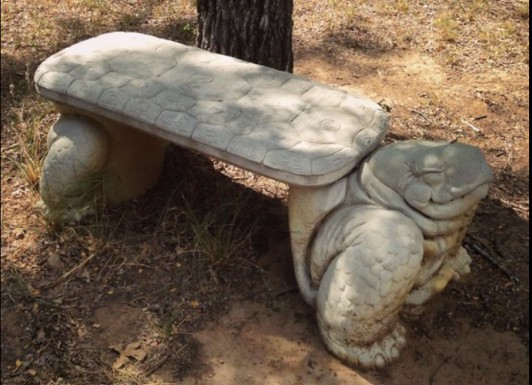 (c) Tui Snider - Isn't this turtle bench adorable?