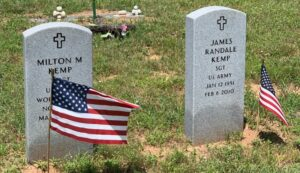 General Type military grave markers. (c) Tui Snider